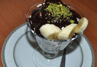 Damla Çikolatalı Muzlu Şarlot Tatlısı Tarifi