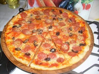 Pizza Tavasında Kolay Pizza