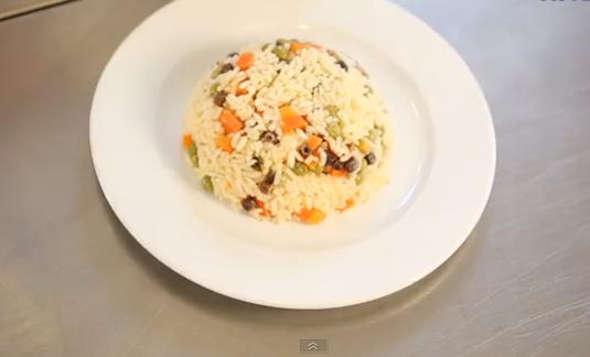 Sebzeli Pirinç Pilav Tarifi 12