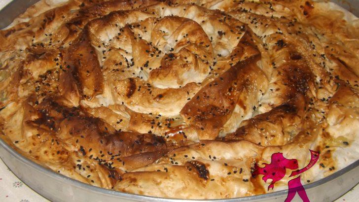 Kıymalı Ispanaklı Börek (Hazır Yufkadan)
