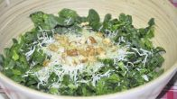 Cevizli Ispanak Salatası Tarifi