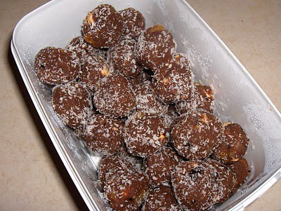 Çikolatalı Tatlı Toplar Tarifi